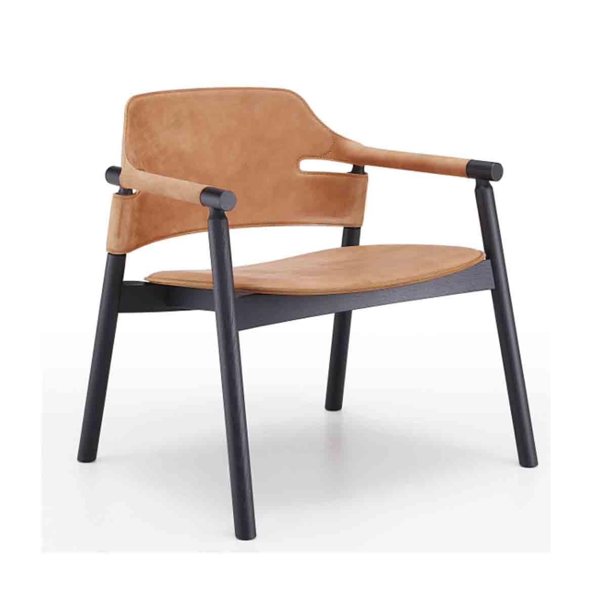 Loungechair with wooden frame. Seat and backrest in hide.